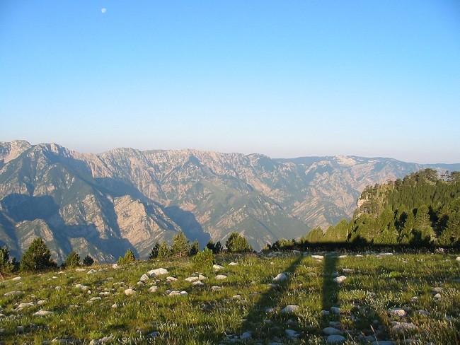 جبل ياهورينا ووادي نهر درينا